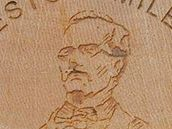 Portr�t Karla Jarom�ra Erbena na turistick� zn�mce �. 1138.