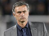 ZAMRAČENÝ TRENÉR. José Mourinho, kouč Realu Madrid, výkon jeho svěřenců během prvního poločasu nepotěšil.