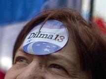 Fanynky kandidátky na brazilskou prezidentku Dilmy Rouseffové
