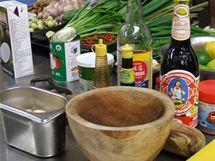 Kuchaři nás nejdříve podrobně seznámili se surovinami