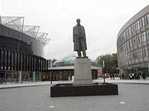 Kongresové centrum ve Zlíně - Socha T.G.M. mezi centrem a budovou UTB