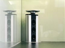 Výsuvný tubus na elektrické zásuvky v případě, že se nepoužívá, zůstává skrytý a nenarušuje čistý vzhled kuchyňské linky