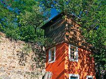 Ve věži v odstínu červeného okru je sauna
