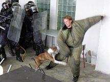 Cvičení ve věznici v Kynšperku.