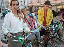 V rámci oslav Evropského dne bez aut se na olomouckém Horním náměstí uskutečnila také módní přehlídka na kolech.