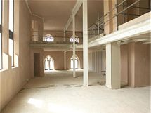 Stav bytů, v jakém je developerská společnost předávala budoucím majitelům. Realizace finálního interiéru byly individuální