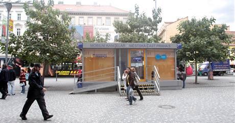 Mobilní kancelář Prahy 5 u Anděla.