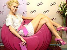 Veronika Machová v šatech Jany Berg, kterými reprezentuje Česko na Miss World 2010