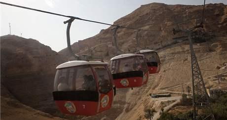 Lanovka na Horu pokušení nedaleko Jericha (5. října 2010)