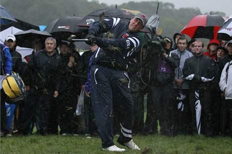 Phil Mickelson z týmu USA - první kolo Ryder Cupu 2010.