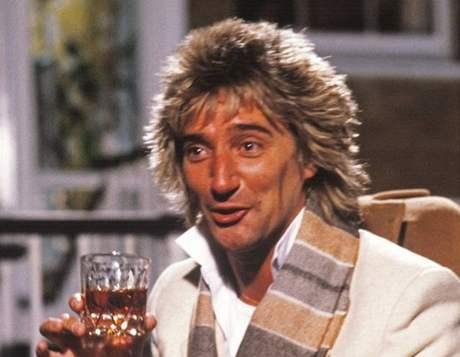 Bez čeho by se Rod Stewart obešel hůře: bez sklenky, nebo bez... vláčků?