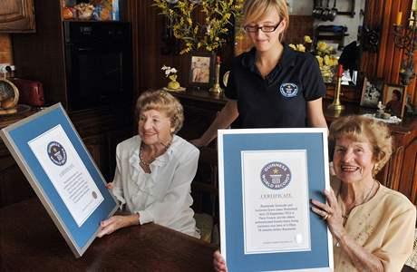 Raymonde a Lucienne Watteladeovy jsou zapsány v Guinessově knize rekordů jako nejtarší dvojčata na světě
