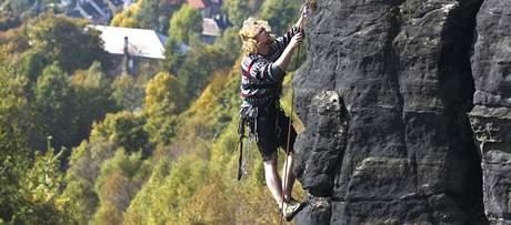 Tiské stěny jsou vyhledávanou lokalitou skalních lezců.