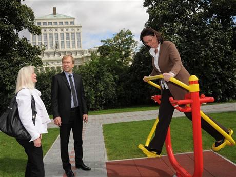 Sport park pro seniory navštívila Miroslava Němcová