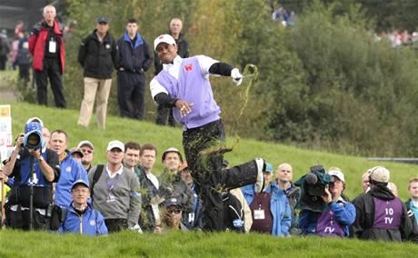 Druhý den Ryder Cupu 2010 - Tiger Woods.