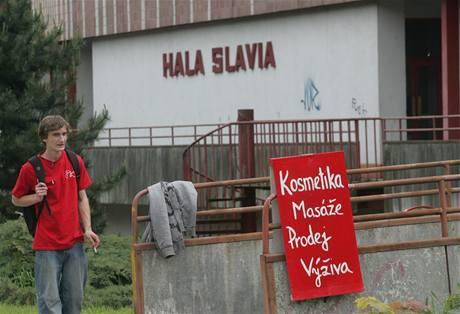 Zchátralá sportovní hala Slavia v Hradci Králové