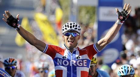 Norský cyklista Thor Hushovd slaví titul mistra světa.