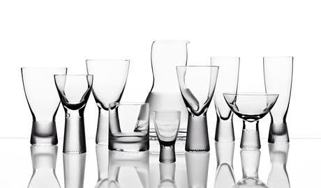 Série navržená Františkem Víznerem Pro Bohemia Machine Glass