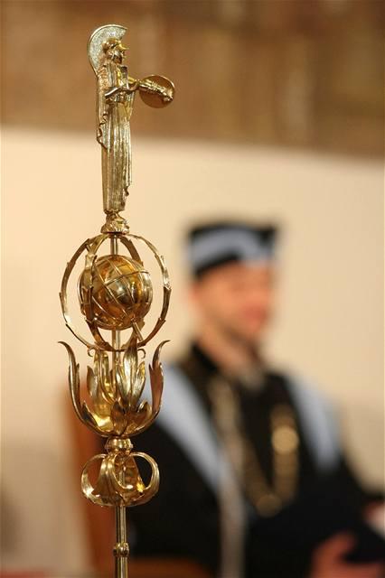 Historicky první zlatá promoce absolventů Filozofické fakulty Univerzity Palackého.