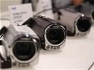 CEATEC 2010 - nová řada videokamer Panasonic schopná natáčet ve 3D za použití speciálního objektivu