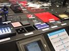 CEATEC 2010 - Nippon Electric - fima vyrábějící displeje pro aktivní 3D brýle