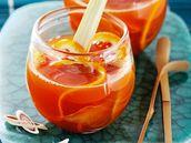 Pomerančový punč se zázvorem a citronovou šťávou.
