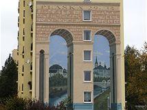 Výtvarně pojaté fasády na plzeňských panelácích