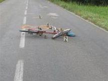 Tragická nehoda cyklistky na silnici ze Srubů u Chocně.