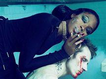 Naomi Campbellová na hororových snímcích pro časopis Interview
