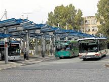 Německo, Chemnitz, dříve Karl-Marx-Stadt. Nové nádraží, které se však dnes jen těžko dostane na pohlednice.