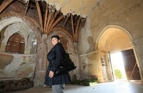 Alena Káňová, odborný garant opravy kaple na židovském hřbitově v Břeclavi