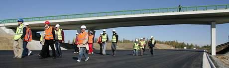 Den otevřených dveří spojený s prohlídkou stavby na rychlostní silnici R6 v úseku Sokolov - Tisová.