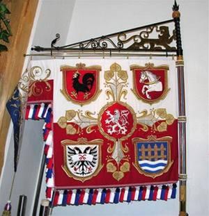 Velebný & Fam s. r. o. - Firemní vlajka