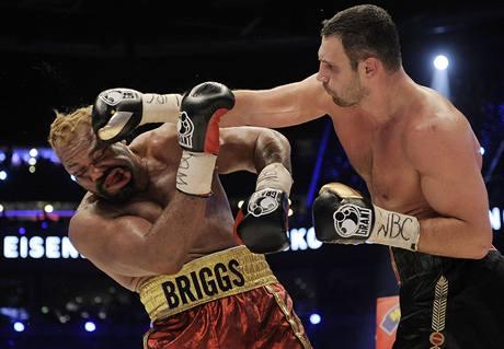 JAKO FACKOVACÍ PANÁK. Působil v souboji s Vitalijem Kličkem Shannon Briggs (vlevo).