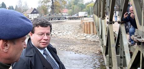 Obci Višňová armáda předala 66 metrů dlouhý most.