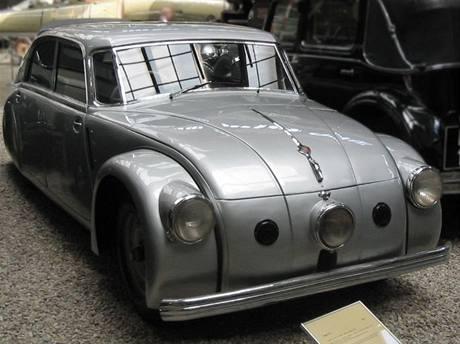 Model Tatra T 77