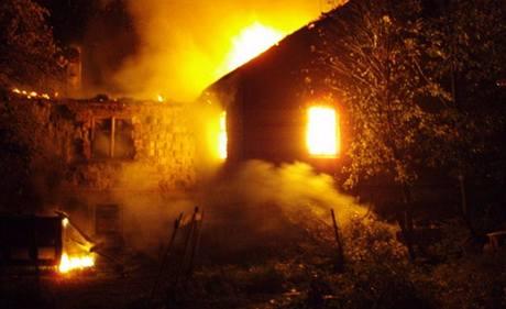 Požár velké usedlosti vTřinci-Gutech