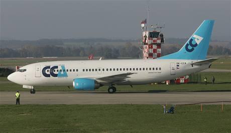 Boeing 737 na letišti v Hradci Králové