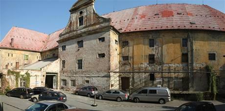 Budova někdejšího měšťanského pivovaru v Lafayettově ulici.
