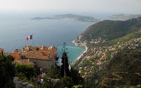 Pohled na Azurové pobřeží z hradeb Eze