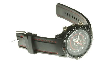 Vodotěsné hodinky kamerkou a mikrofonem