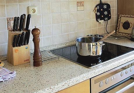 Vaření na sklokeramice. Profesionální kuchaři obvykle dávají přednost plynu, tady je sklokeramická deska