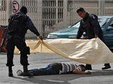 V severomexickém městě Ciudad Juárez a postříleli nájemní vrazi na soukromé oslavě devět lidí (18. října 2010)