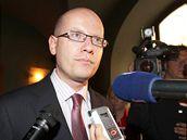Bohuslav Sobotka ve volebním štábu ČSSD. (16. října 2010)