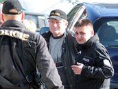 Na pátrání po ztracené Aničce dorazil i šéf pražské policie Martin Červíček (vpravo)