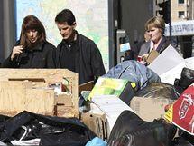 Marseille se topí v odpadcích, ke stávce odborářů se připojili i popeláři. (18. října 2010)