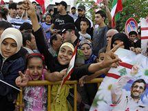 Íránský prezident Mahmúd Ahmadínežád se v Libanonu dočkal vřelého přijetí (13. října 2010)