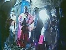 Záchranář Manuel González mezi horníky v dole San José