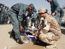 Výcvik afghánských policistů. (13. října 2010)