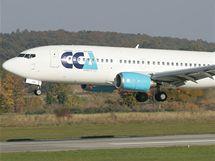 Přistání boeingu 737 na letišti v Hradci Králové